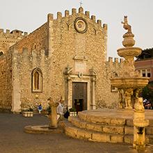 Taormina: A cidade siciliana com paisagens improváveis onde a máfia nunca esteve presente